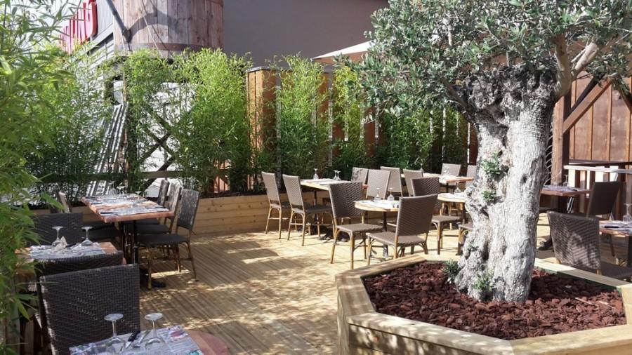 Le restaurant de Mondeville s'offre une nouvelle terrasse !